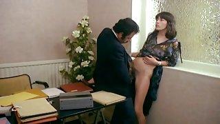 Офис русское домашнее порно с женой халтура