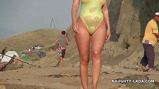Прозрачный порно рассказы русский инцест клуб купальник и голышом на пляже