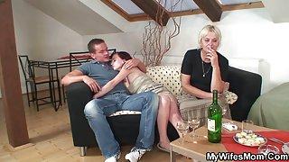 Старая порнография порно видео мать зятя соблазняет ее парня