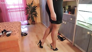 Любитель новое русское домашние порно в нейлоновые чулки и туфли на высоких каблуках